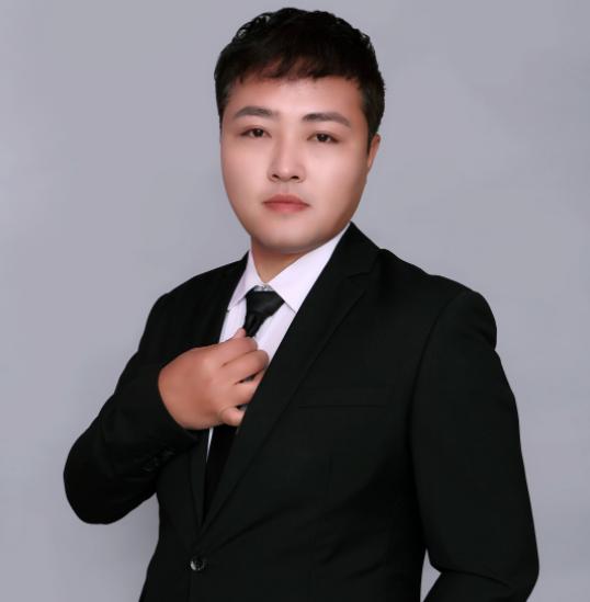 心理咨询师邓坤